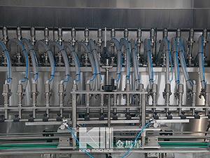 linear-type-oil-bottling-filling-machine