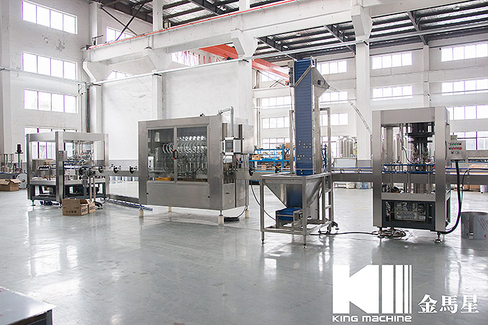 linear-type-water-bottling-filling-machine